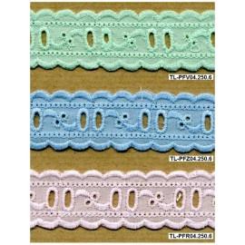 Fita bordada 04 - passa-fitas em verde, azul e rosa.